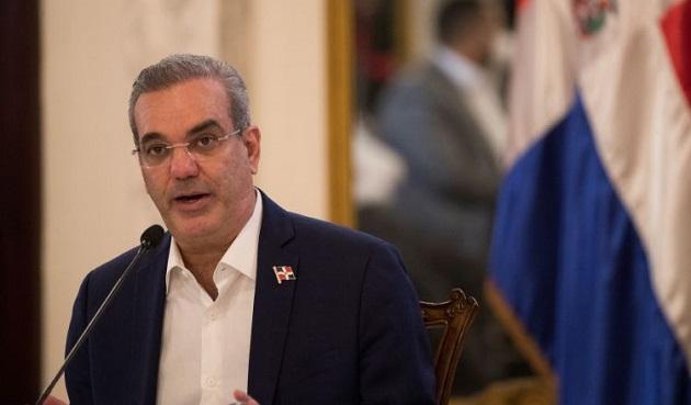 Presidente de República Dominicana dio marcha atrás a nuevos impuestos