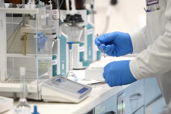 Un voluntario español en los ensayos de la vacuna de Oxford contrae la COVID-19