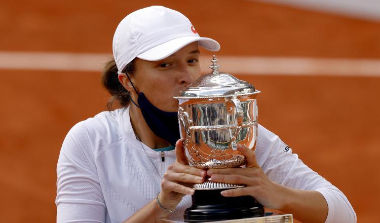 Iga Swiatek arrasa con una ganadora de 'major' y logra su primera victoria  profesional