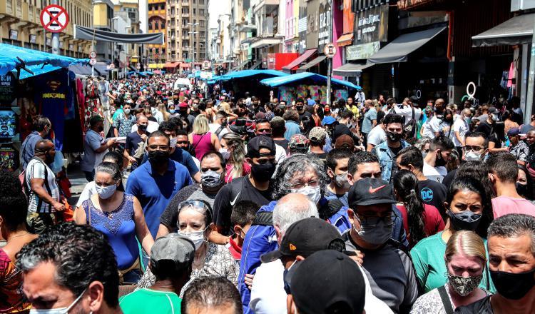 Incertidumbre sobre rumbo fiscal de Brasil, presiona a Bolsonaro