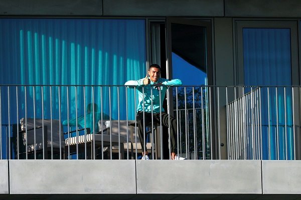 Ronaldo, asintomático y está aislado al salir positivo a la COVID-19