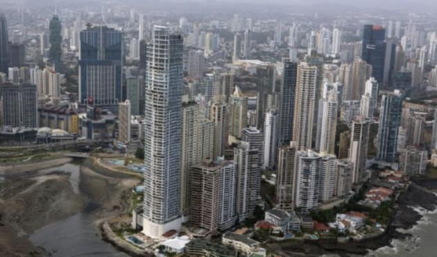 Amauri Castillo: Unos 15 mil 974 clientes han presentado reclamaciones a la banca panameña