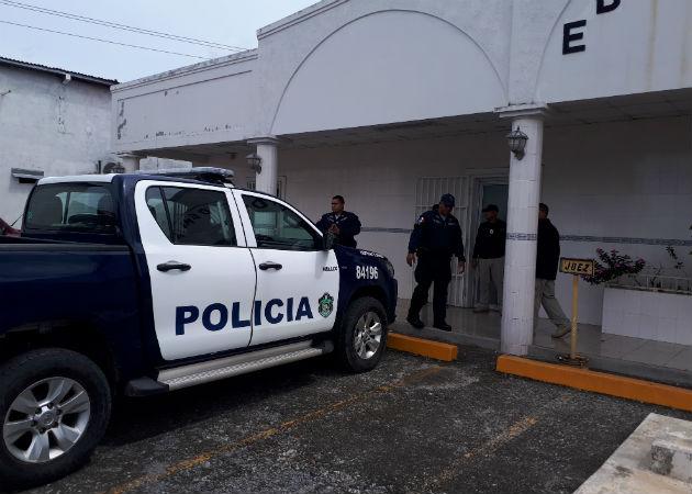 Detienen a seis abogados y a una exnotaria pública en operativos de allanamientos en Veraguas y Coclé
