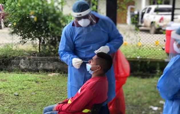 ¿Por qué es difícil confirmar casos de reinfección por COVID-19 en Panamá?