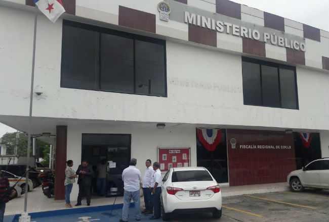 Aprehenden a seis abogados y a una exnotaria en la provincia de Coclé
