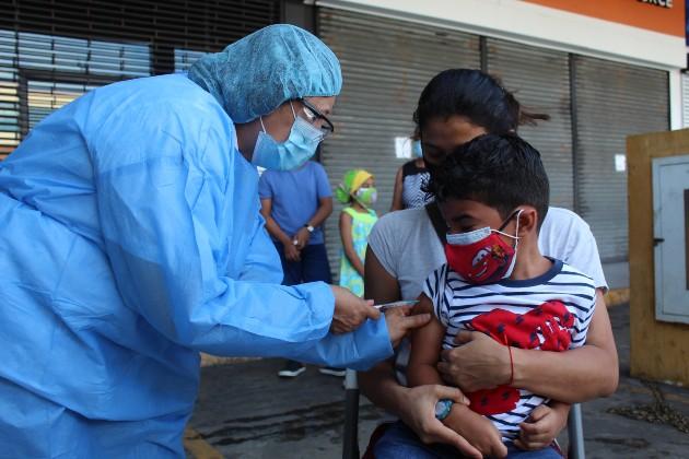 Minsa hace llamado a padres de familia a no descuidar las vacunas de los niños, en medio de la pandemia de COVID-19