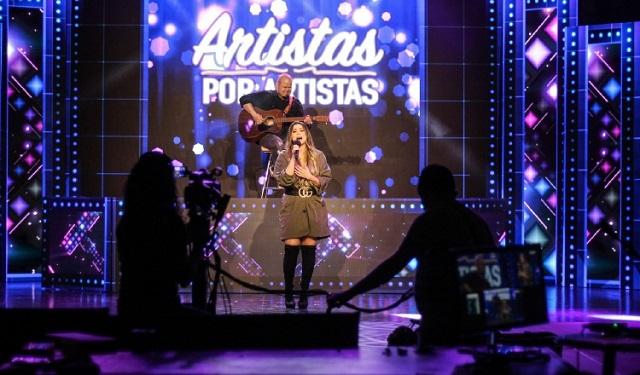Buscarán apoyo para los artistas con un evento benéfico sin precedentes, 'Artistas por Artistas'