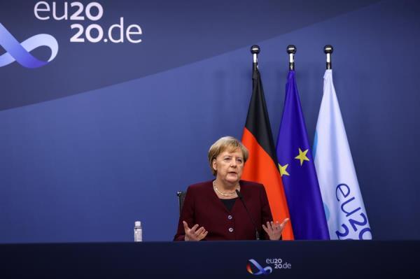Angela Merkel: 'tenemos que prepararnos por si no hay acuerdo' para la salida del Reino Unido de la UE