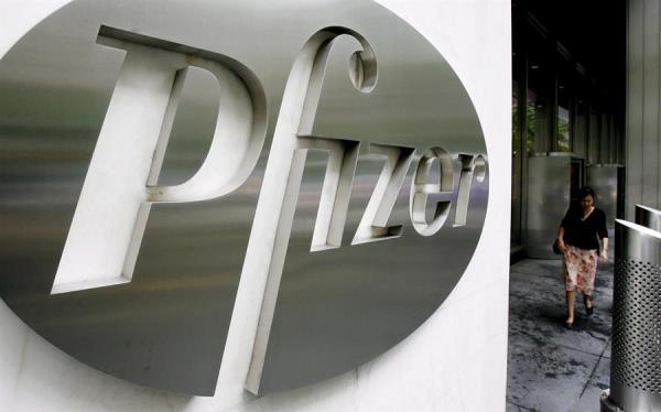 Farmaceútica Pfizer asegura que este mes se sabrá si su vacuna contra la COVID-19 es efectiva