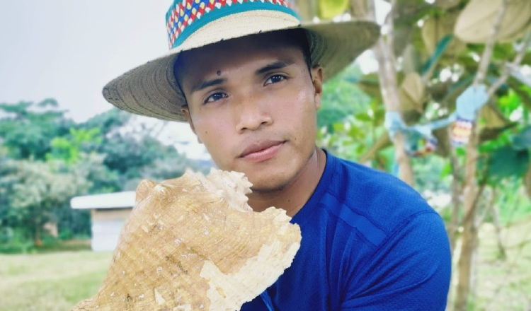 [VIDEO] Lemo Ngäbere, el 'youtuber' de la cultura Ngäbe-Buglé: 'Deben ser originales'