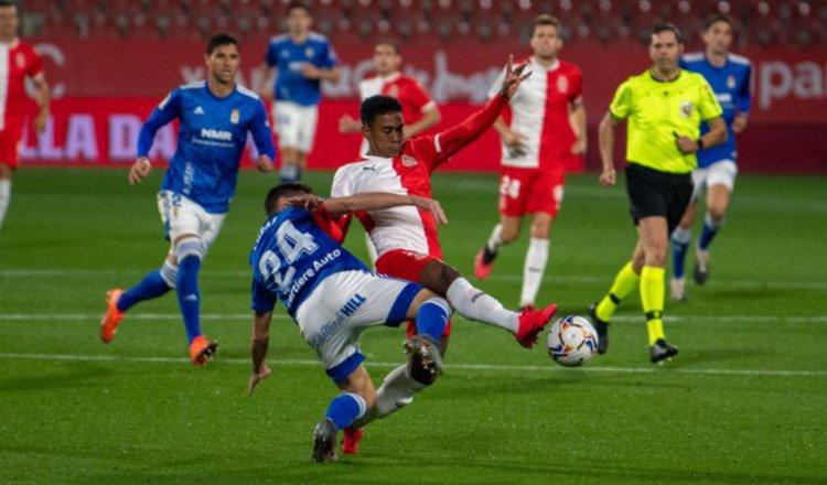 Edgar Yoel Bárcenas sonríe ante su exequipo: Girona derrota al Oviedo