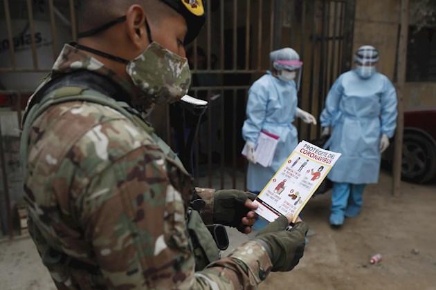 El laboratorio chino Sinopharm duplicará el número de pruebas de vacuna para COVID-19 en Perú