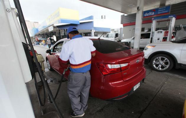 Precio de la gasolina de 95 octanos y el diésel bajan de precio a partir de este viernes