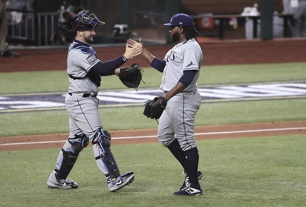 Rays de Tampa empatan la Serie Mundial a los Dodgers