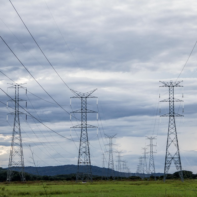 Panameños pagan la energía eléctrica más cara de Latinoamérica