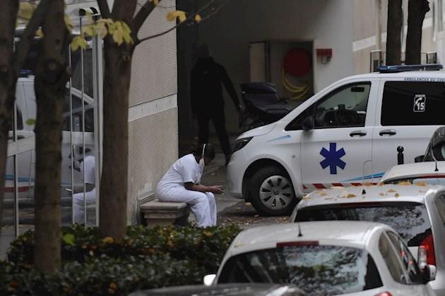 Países de Europa optan por confinamientos leves contra la pandemia de COVID-19