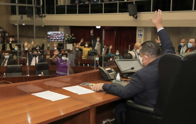 El micrófono volvió a hacer de las suyas en la Asamblea Nacional.