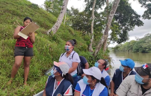 Auditores de la Contraloría General de la República inspeccionan plan Panamá Solidario en áreas alejadas de la provincia de Colón