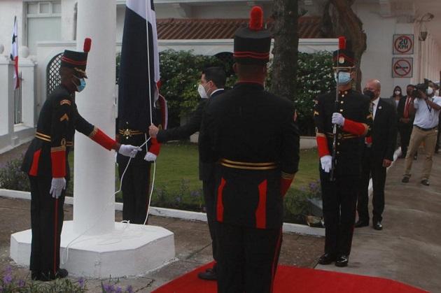 Cortizo celebra en aislamiento preventivo la separación de Panamá de Colombia