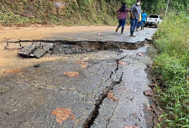 Lluvias provocadas por el paso del huracán Eta hunden 6 kilómetros de carretera en el Soloy