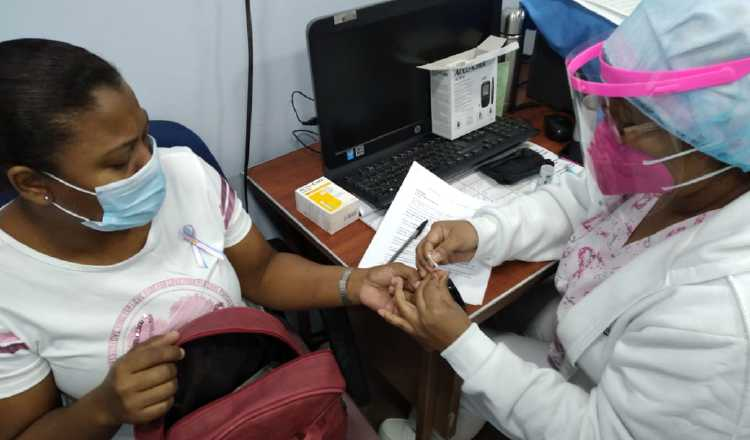 Salud gratis obligatoria para todos los niños en Panamá y apoyo económico para atención médica en el extranjero, rigen desde hoy