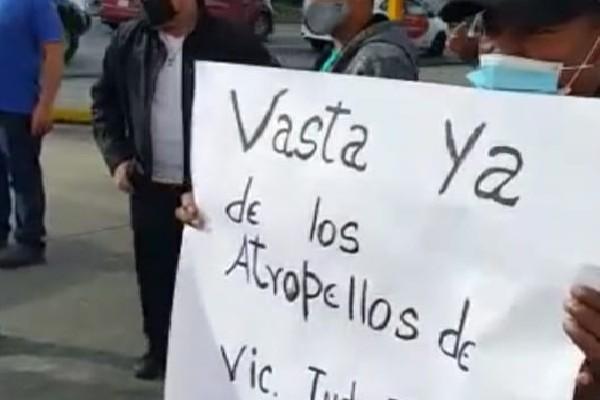 Joaquín Espino, dirigente transportista asegura que se trata de 800 conductores afectados.