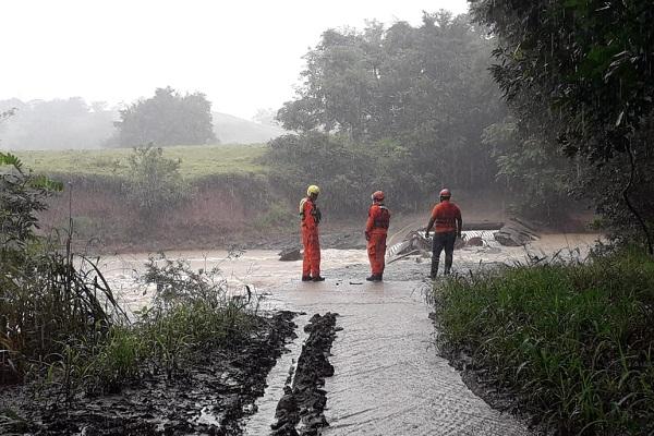 Rescatistas continúan con la búsqueda de un desaparecido en el río Estivaná