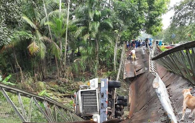 Colapsa puente en Progreso de Barú, una persona resulta herida