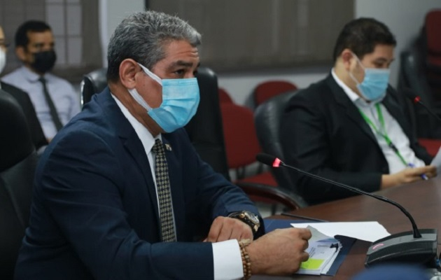 El ministro Luis Sucre tendrá que brindar explicaciones.