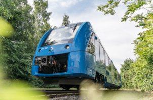 El tren que se mueve mediante energía de hidrógeno ya funciona en Alemania.