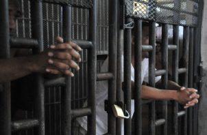 Actualmente avanza el primer censo de población en las cárceles  para conocer el perfil de los más de 16 mil privados de libertad. Archivo