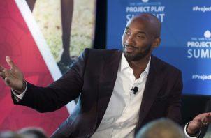 Kobe Bryant hizo su carrera con los Lakers de Los Ángeles. AP