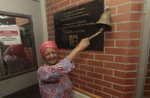 Ana de Millares cumplió 50 años de laborar en Editora Panamá América. Archivos