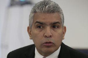 Javier Ordinola  labora en la Asamblea Nacional desde enero del año pasado.  Archivo