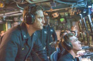 El capitán de un submarino estadounidense y la unidad de élite de la Marina ayudan a  salvar al presidente de Rusia, quien es  víctima de un  golpe de Estado.