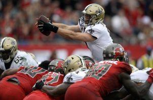 Los Saints se impusieron 28-14 a Tampa Bay. AP