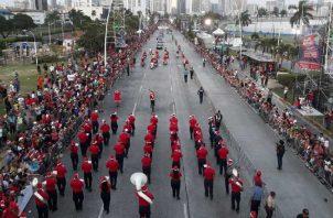 El desfile tuvo  aceptación. Víctor Arosemena