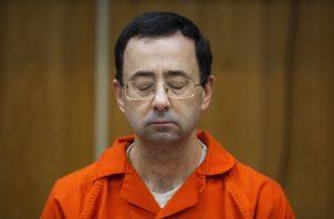 Larry Nassar recibió una dura condena. AP