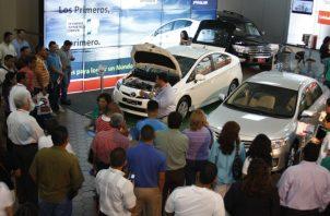 La venta de autos nuevos en el país acumuló una caída del 16.6 por ciento entre enero y octubre pasados, según destacan las cifras oficiales. Foto: Archivo
