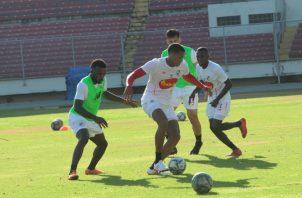 Selección mayor entrena con miras al  juego ante Estados Unidos. Anayansi Gamez