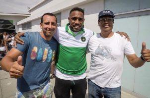 """Luis """"Matador"""" Tejada con su nueva camiseta en el fútbol de Perú. @PirataFC"""