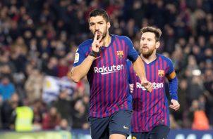 Luis Suárez (izq.) y Messi, del Barcelona. EFE