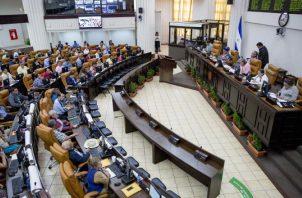 La economía de Nicaragua bajará entre un 7.3% y 10.9% en 2019.