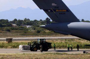 Aviones del Ejército de Estados Unidos llegaron a Colombia con ayuda humanitaria que será entregada a Venezolanos. EFE