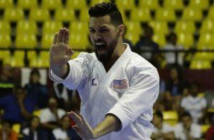 El estadounidense Ariel Torres ayer durante la final del torneo Panamericano de Karate Sénior. EFE