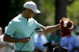 Tiger Woods ha dedicado  mucho tiempo a la práctica esta semana con el objetivo de buscar su quinta chaqueta verde. AP