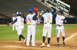 Panamá Metro se ha fajado de tú a tú contra los santeños en el comienzo de su semifinal del campeonato mayor. Anayansi Gamez