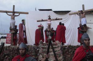 El viacrucis en vivo demostró todo el dolor que pasó Jesús antes de ser crucificado. Víctor Arosemena