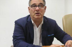 El candidato presidencial Marco Ameglio cree en que una unión de independientes sería peligrosa.  Miriam Lasso