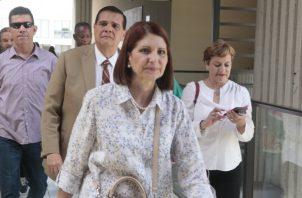 Linares de Martinelli denunció a La Prensa a través del abogado Luis Eduardo Camacho González.
